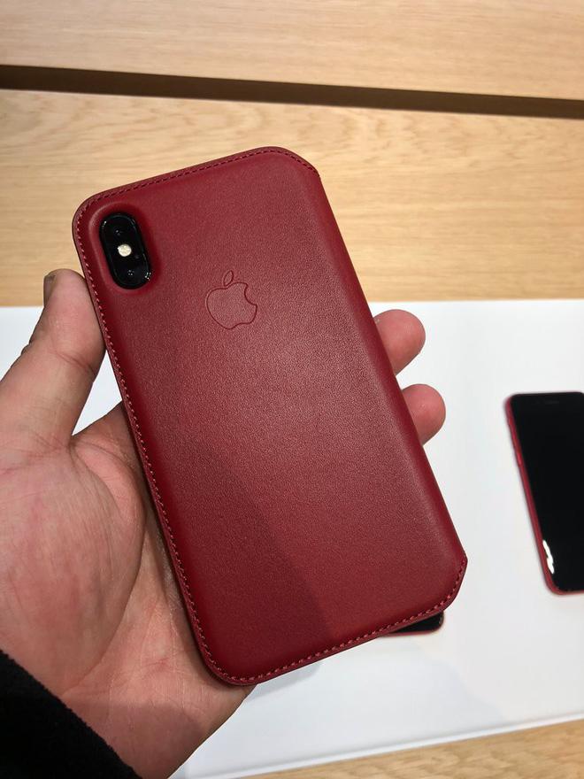 iPhone 8 và iPhone 8 Plus (PRODUCT)RED sẽ chính thức lên kệ vào cuối tuần này, với giá bán không thay đổi so với các màu sắc khác.
